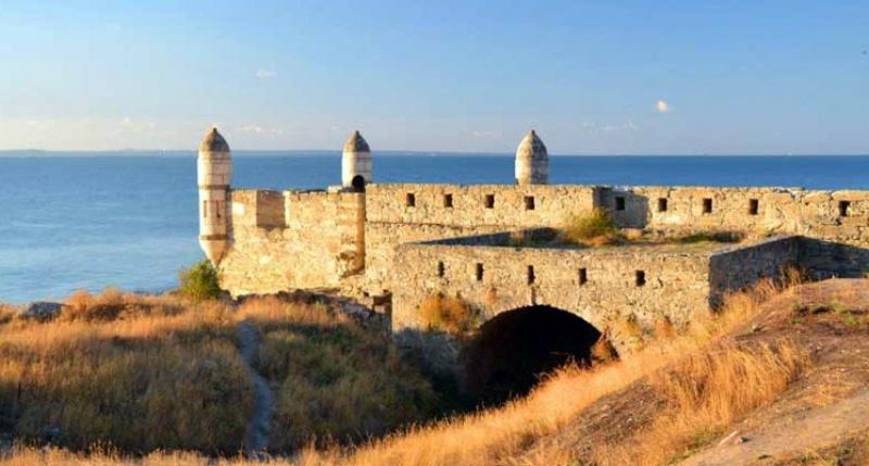 Разрушающуюся крепость Ени-Кале в Керчи закрыли для посещения